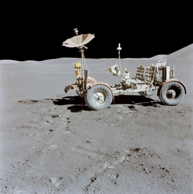598px-apollo_15_lunar_rover_final_resting_place